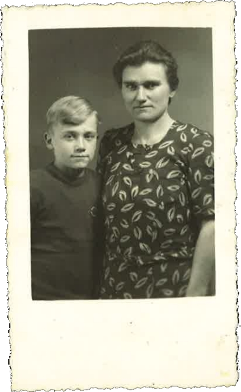 Angèle Campion-Goossens et son fils